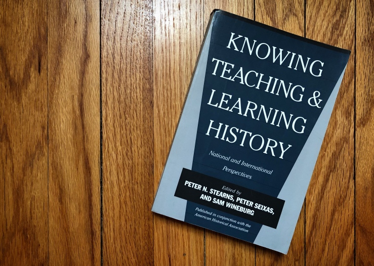 Front cover of 'Knowing, Teaching, and Learning History'